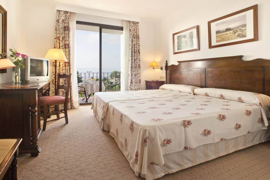 DOUBLE SUPERIOR ROOM FOR SINGLE USE TRH Mijas Hotel