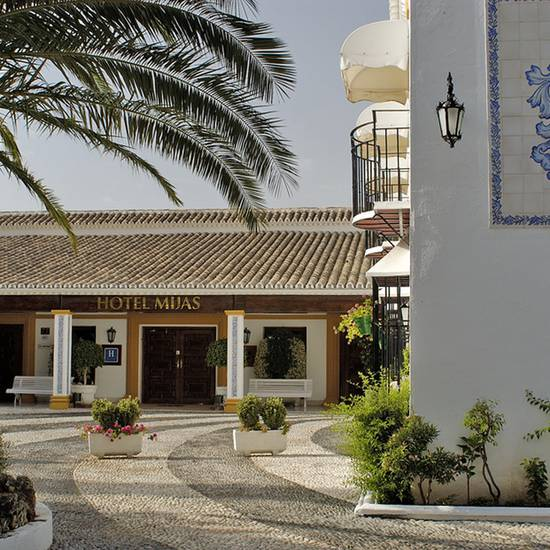 OUTDOOR PARKING TRH Mijas -